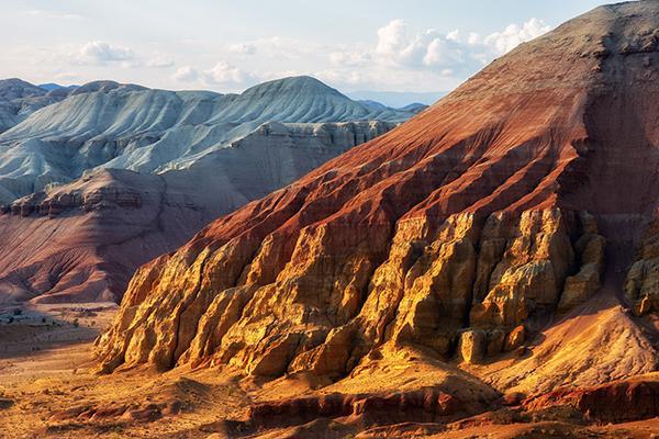 Горы Актау, национальный парк Алтын-Эмель